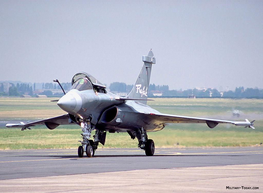 مناقصة جوية جديدة...كندا... Dassault_rafale_l1