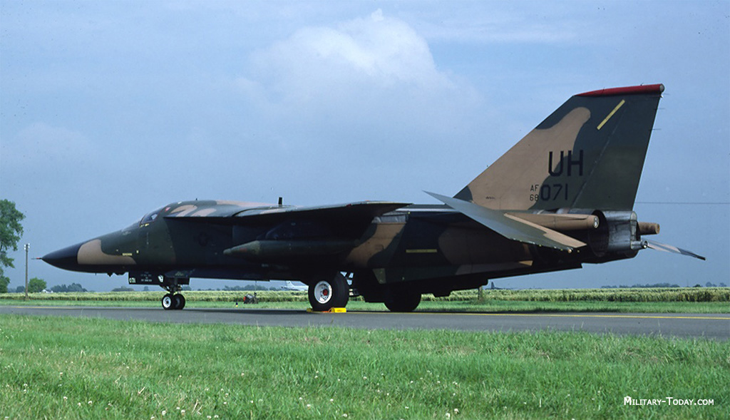 General Dynamics F-111 Aardvark Images