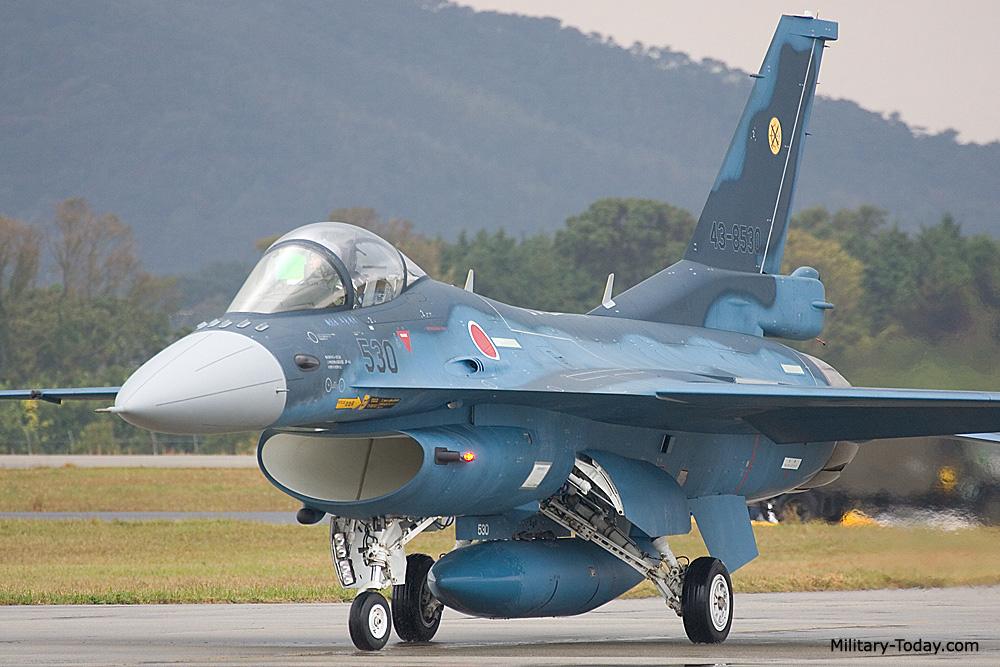 Mitsubishi F-2 Images