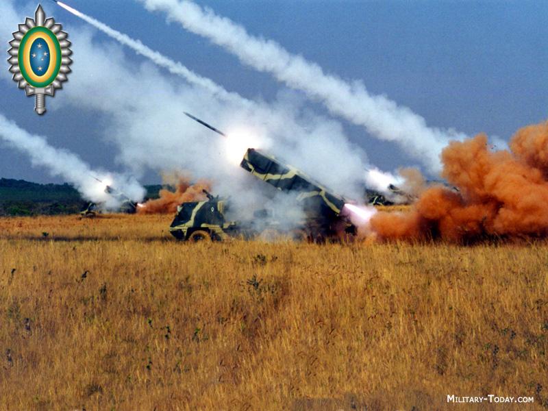 systèmes d'artilleries autotractés et autopropulsés Astros_ii_l3