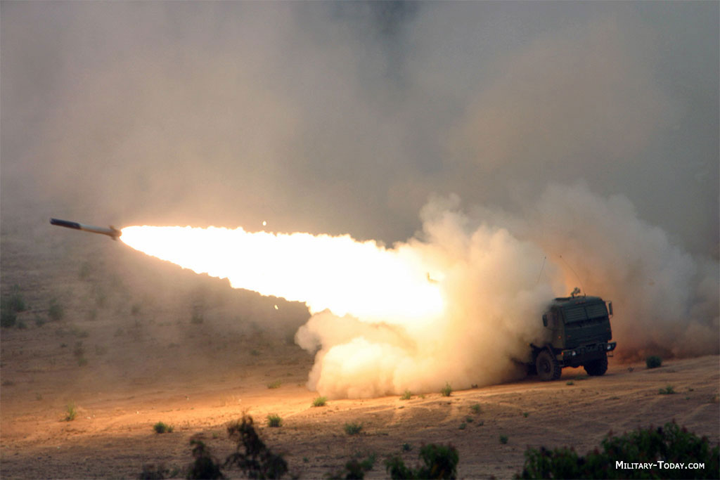 نظام الصواريخ M-142 HIMARS Himars_l3