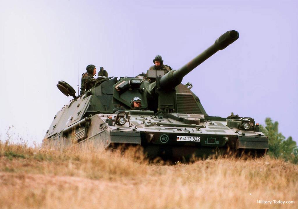 المدفع الالماني ذاتي الحركه PzH 2000 عيار 155 ملي Pzh_2000_l1