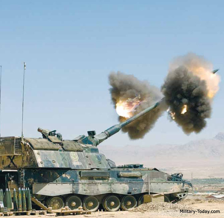 المدفع الالماني ذاتي الحركه PzH 2000 عيار 155 ملي Pzh_2000_l4