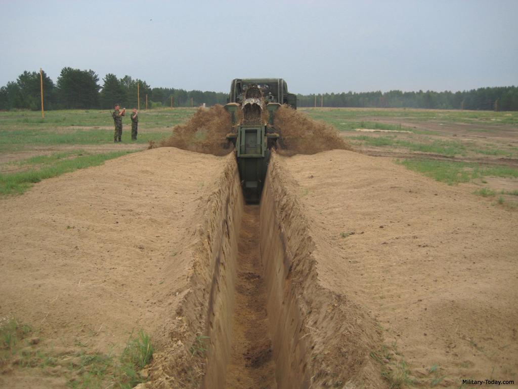 BTM-3 trenching machine