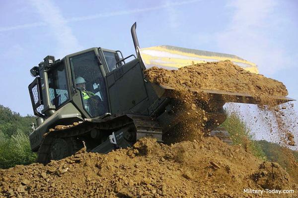 Caterpillar D5 Bulldozer   Military-Today com