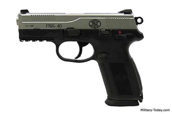 FN FNX