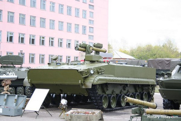 1 500 horsepower fmbt to replace t 72 tanks A comprehensive page on the german leopard 2 tank, including german variants, all 17 operators, numbers & thier upgraded leopard 2 tanks since 1979 to 2015.