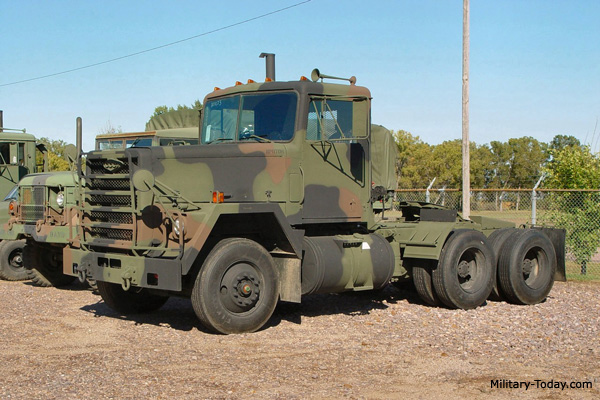 m915 tractor truck