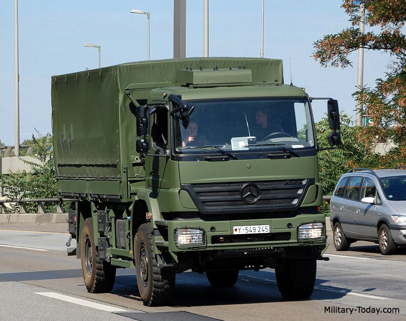 Mercedes Benz Trucks >> Mercedes-Benz Axor II Images