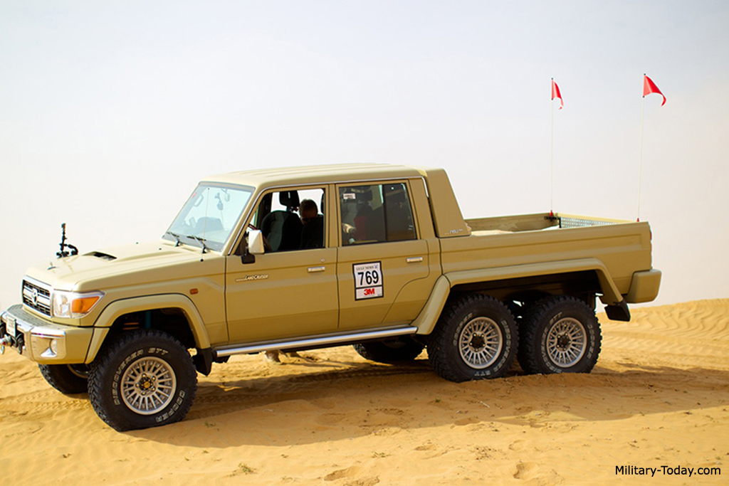 Toyota Land Cruiser 6x6